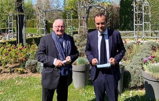 Pierre Riou avec le Ministre des Outre-mer